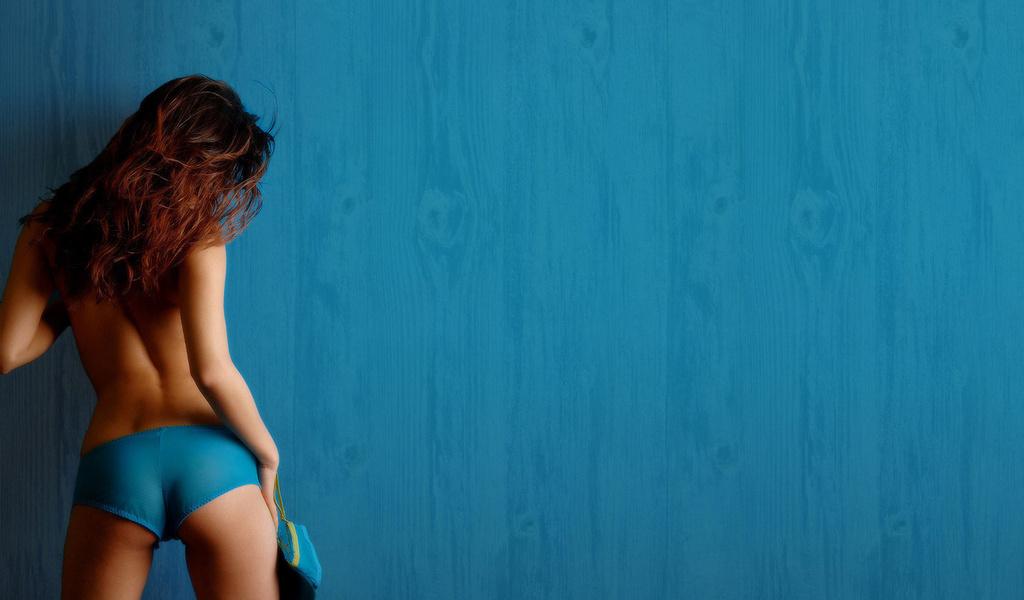 Девушки со спины брюнетки на аву.  (28 фото) Картинки на аву (1) .