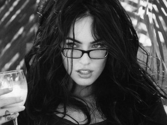 Девушки брюнетки в темных очках, красивые девушки картинки, бесплатно