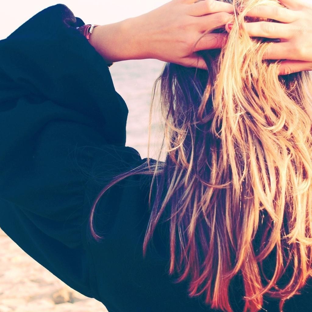 Красивое фото на аву русые волосы