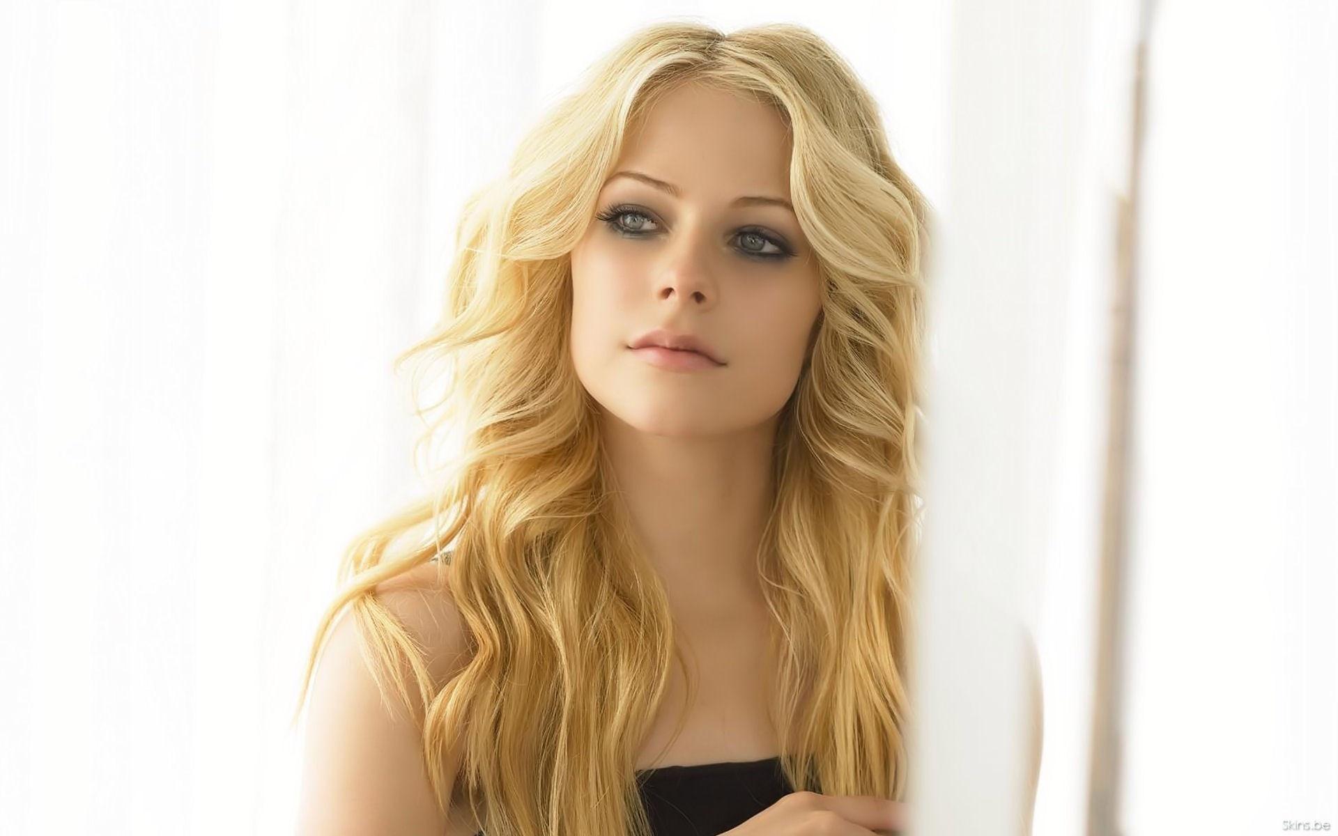 Фотки блондинок полуголых 5 фотография