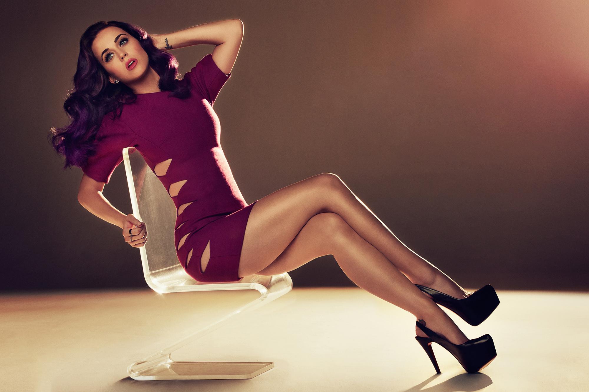 Женщины с широко раскрытыми ножками