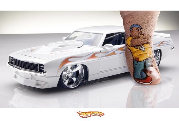 Палец авто моделька hot wheels white тату