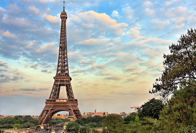 Эйфелева башня  высокого разрешения