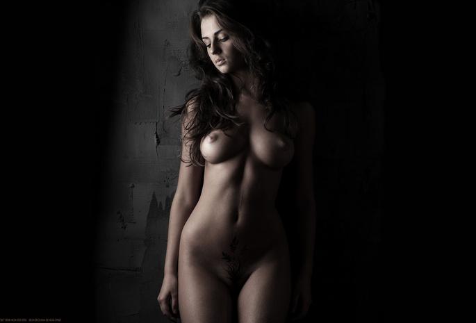 Фото голых красивых темных девушек