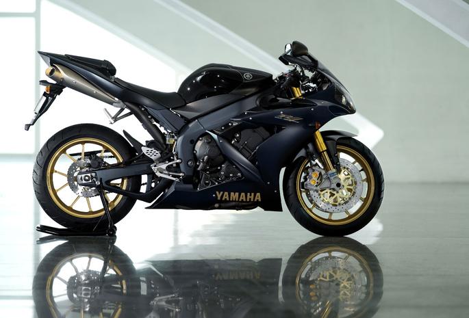 Yamaha yzf r1 sp 2006 чёрный спортбайк