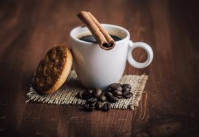 кофе, кофейные зёрна, корица, Чашка, печенье, напиток