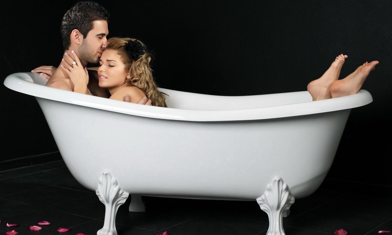Влюбленные в ванной. StepUp.