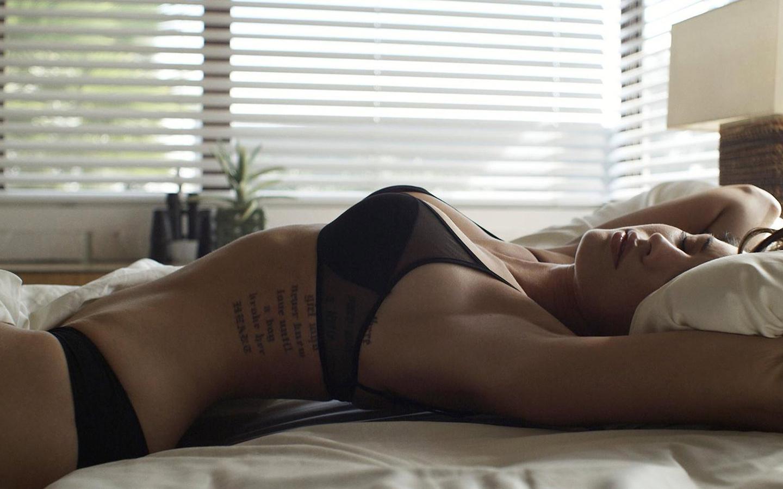 Смотреть секс с спящими девочками 26 фотография