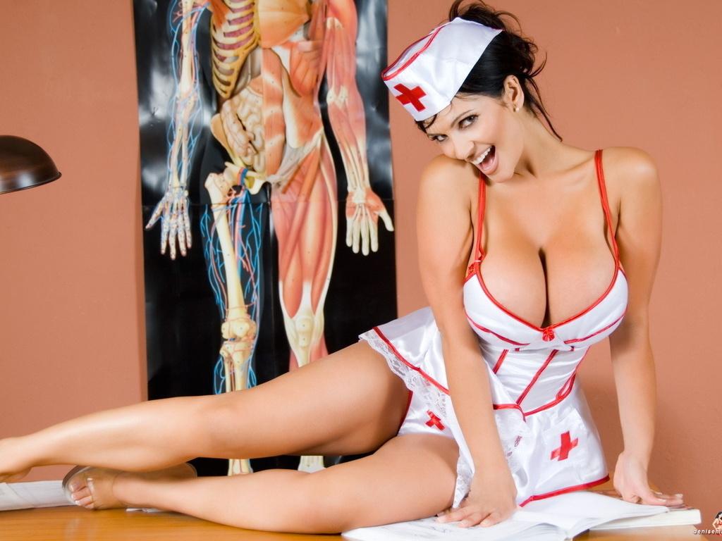 Эротическое бельё медсестры 2 фотография