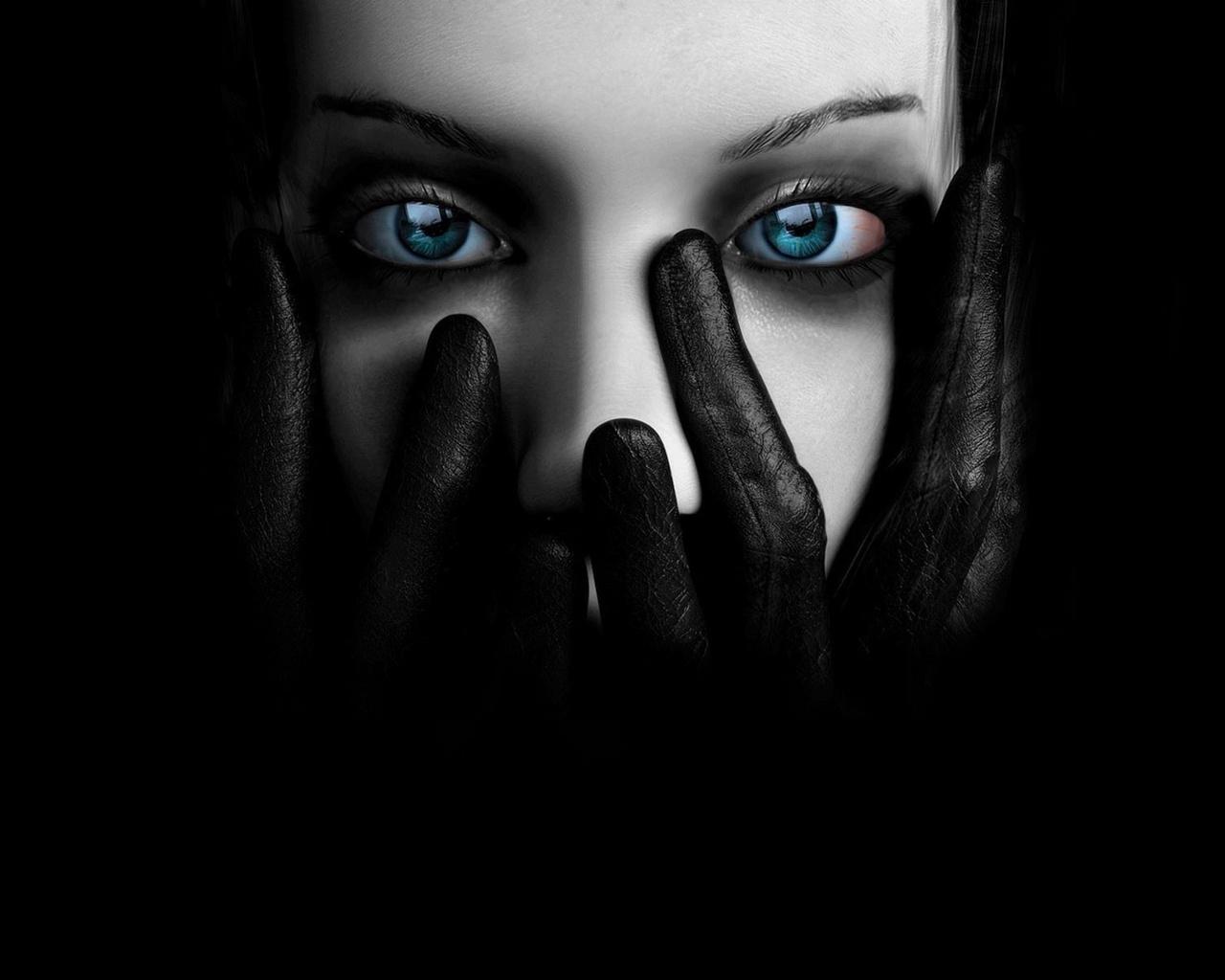 Черно белое креативное фото девушек 20 фотография