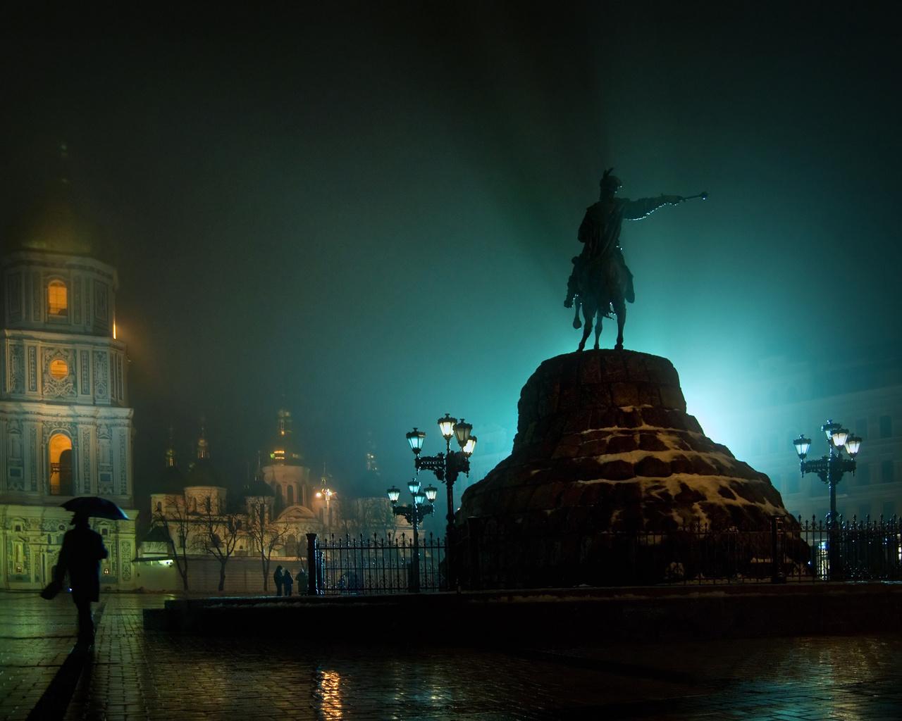 Украина, киев, площадь, богдана хмельницкого, памятник, ночь, колокольня, софийский, монастырь, огни городов