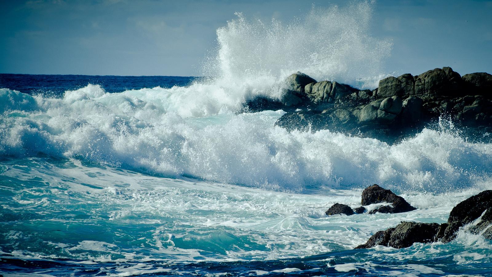 Пейзажи, широкоформатные обои, море, океан, вода, волны, волна, скала, скалы, пена, брызги, берег, капля, капли, шторм, сша, калифорния, california, monterey, монтерей, стихия, прибой, камни