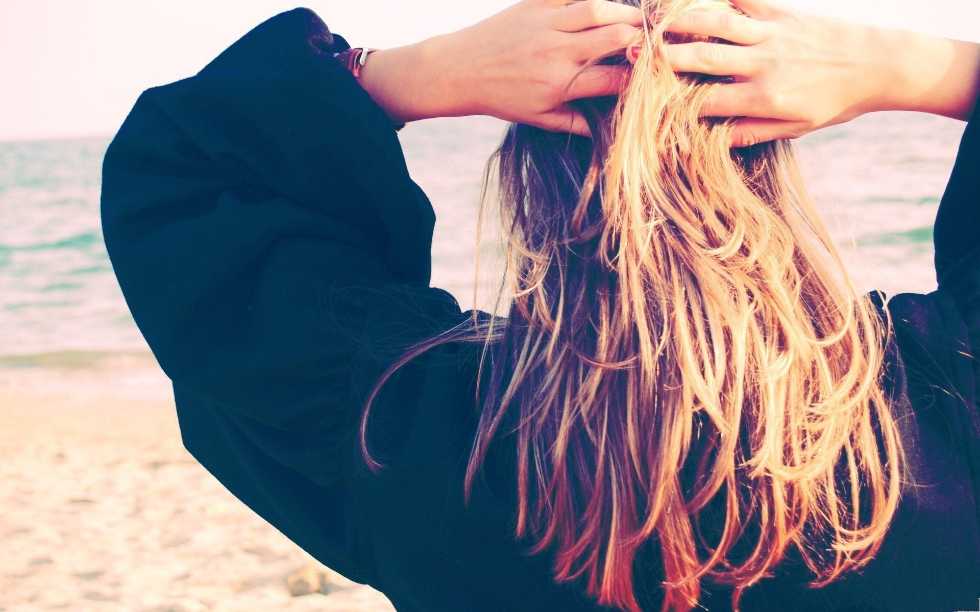 Фотографии блондинок сзади 8 фотография