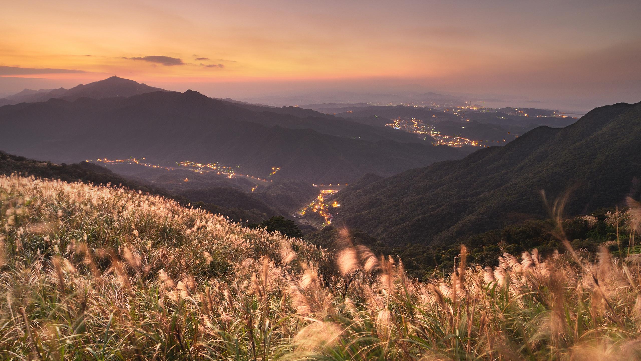 Города, места, трава, китай, вид, пейзажи, горы, вид, панорама, вечер, огни, небо, ночное небо, огни городов