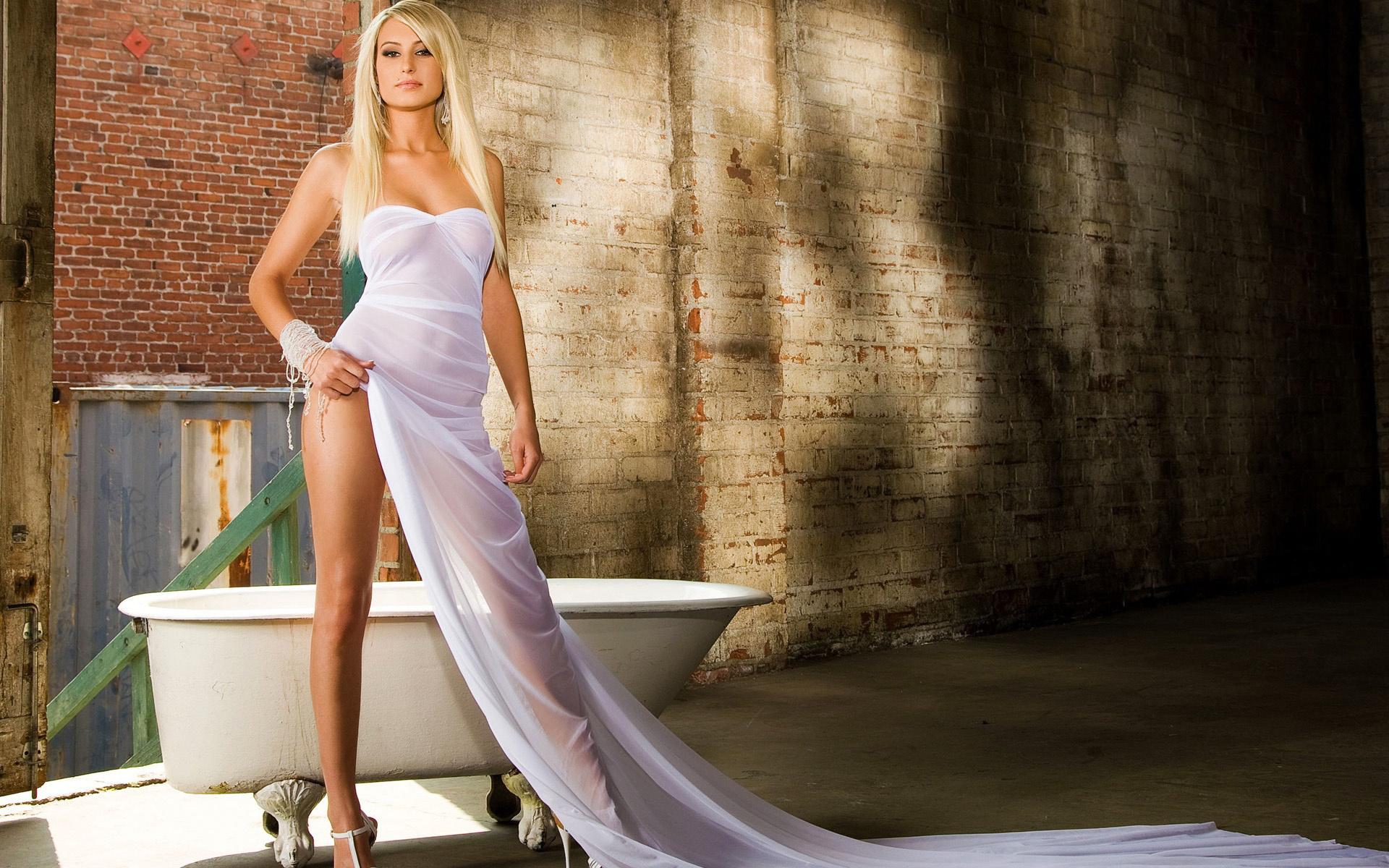 Секс в белых платьях 14 фотография