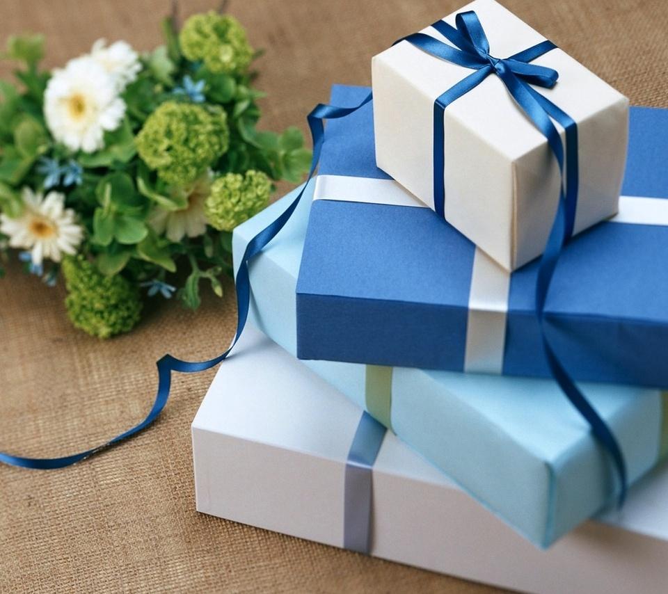 Где дарят подарки ко дню рождения 445