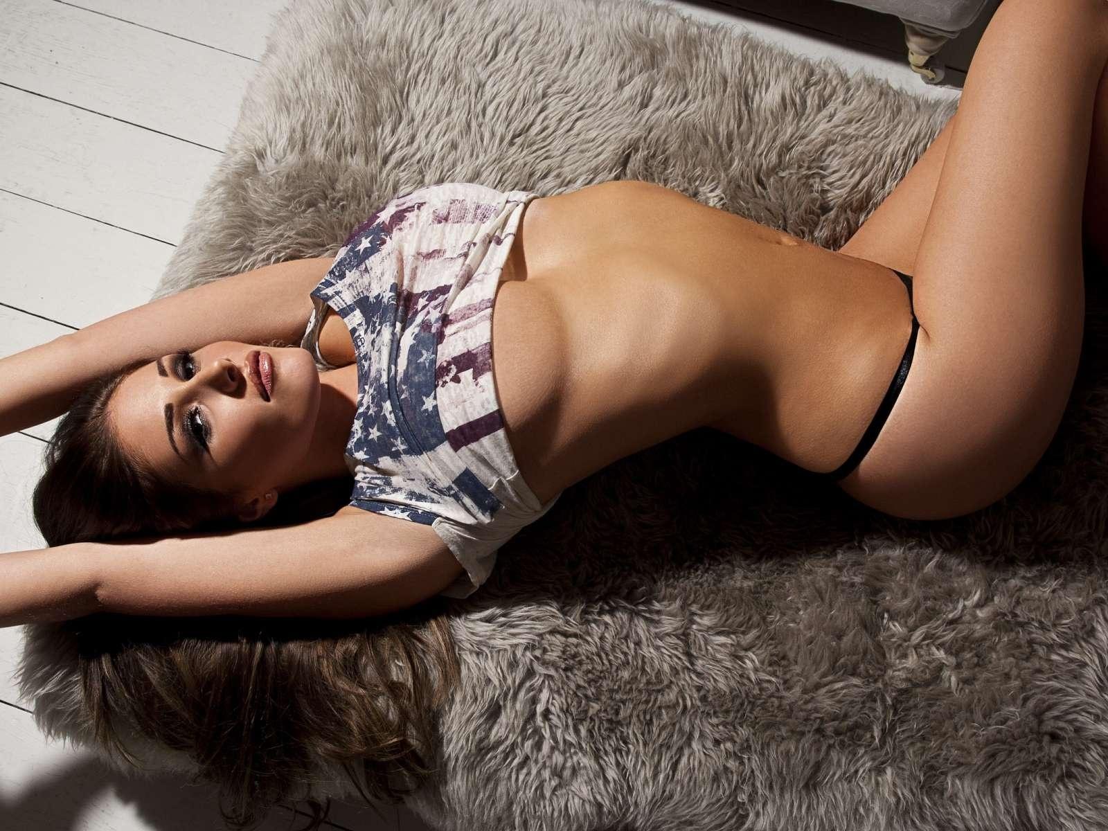 Фотомодели без одежды фото, Девушки в откровенной одежде (62 фото) 3 фотография