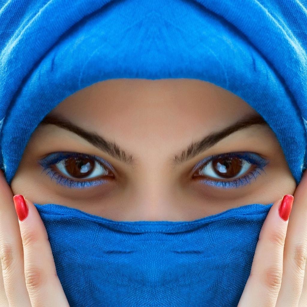 Восточная девушка в чадре фото