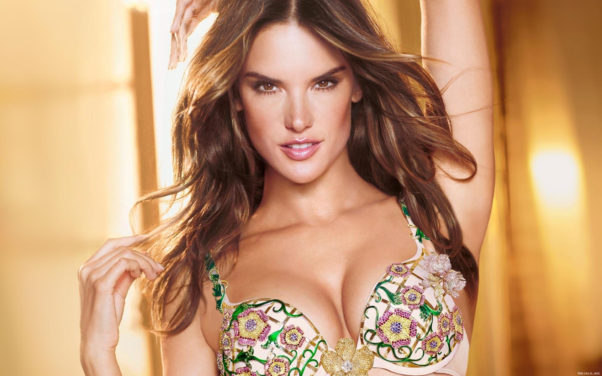 Самые красивые девушки модели 14 фотография