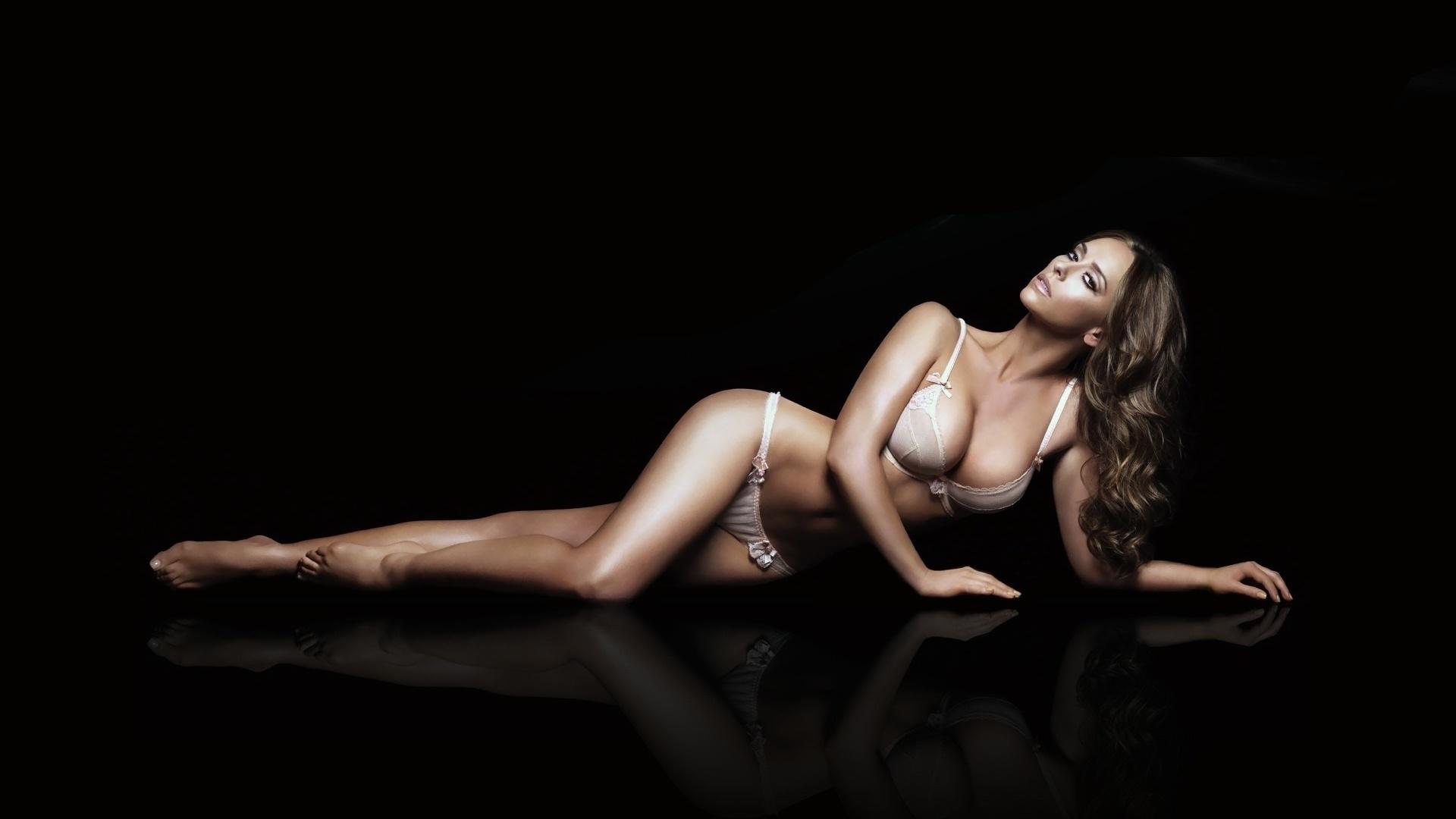 Фотообои голая грудь правы