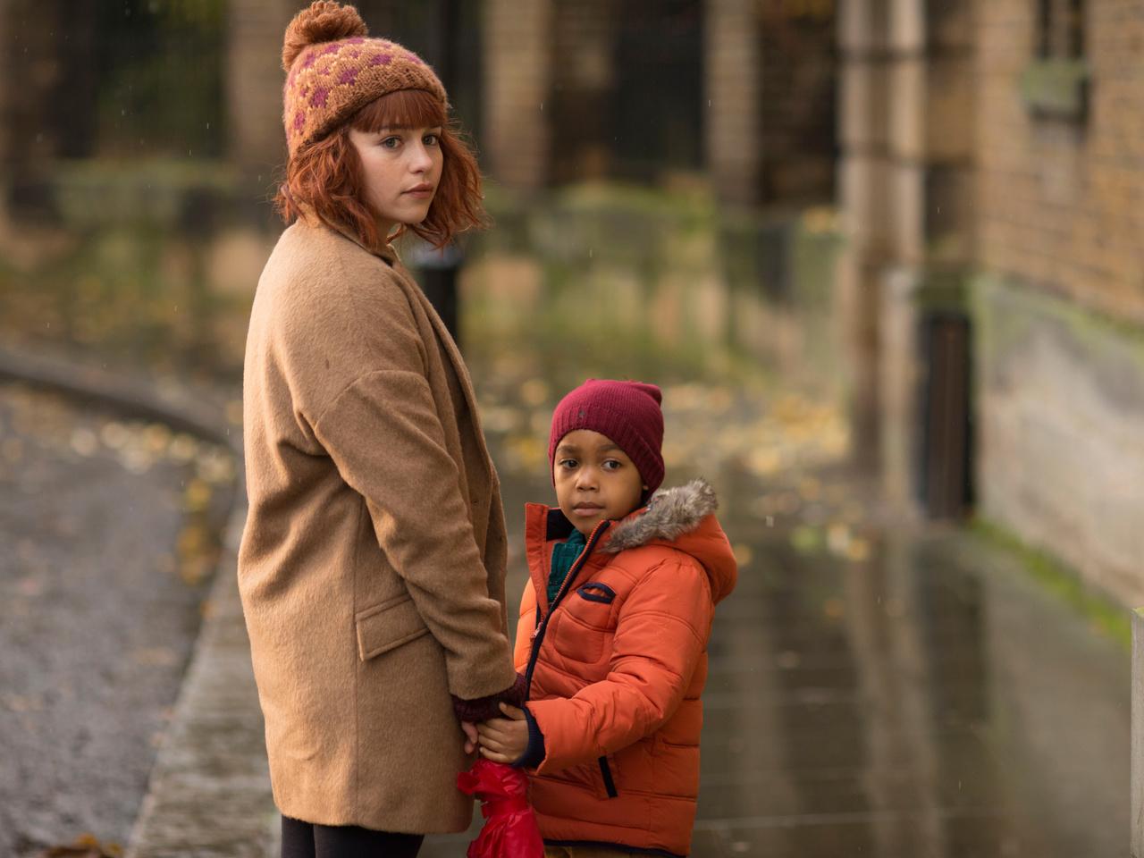ребёнок, evelyn, emilia clarke, Dom hemingway
