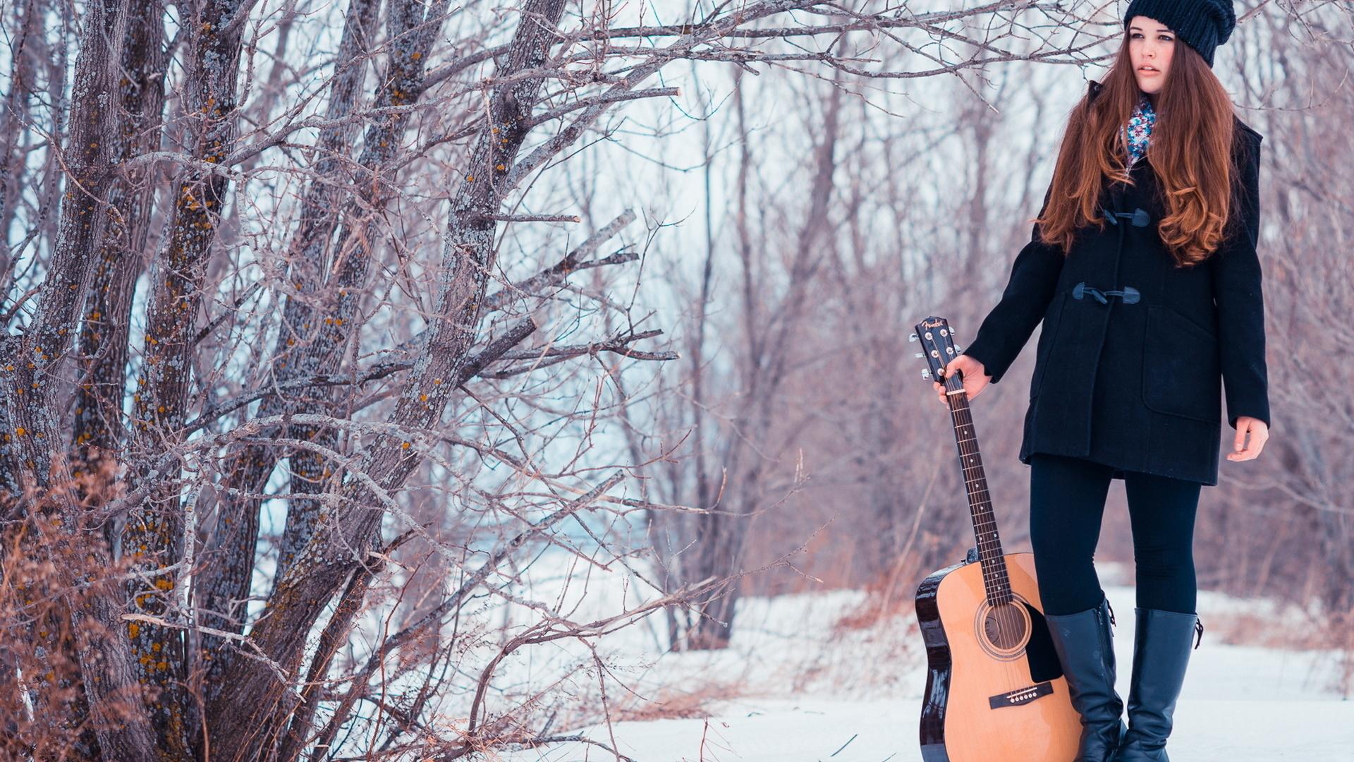Girl, guitare, snow